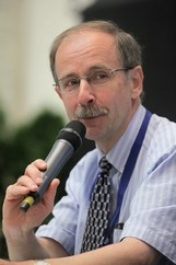 Allan Struthers at at 2nd Human and Veterinary Crosstalk Symposium on Aldosterone, Bordeaux 2011
